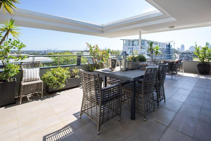 Rooftop Garden | UrbanCurator - Camperdown - Apartment