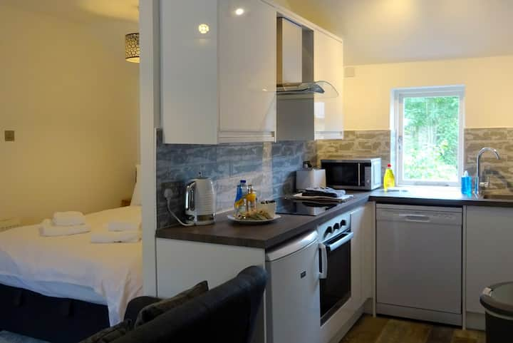 High Tor Apartment, Derwent View, Matlock Bath