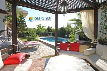 Sunshine Private Pool Villa 1 - Evrenseki