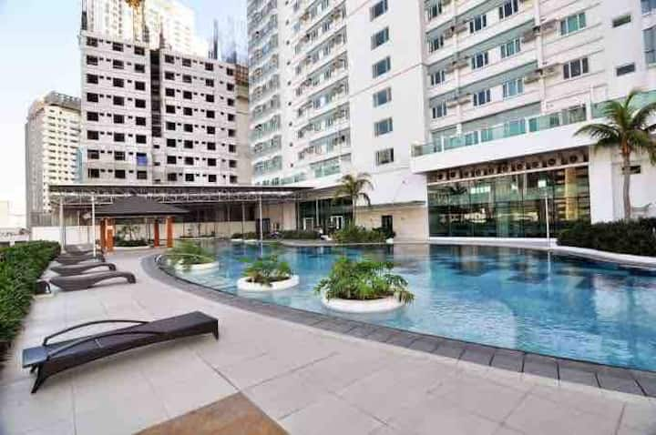 ❤️Staycation 1BR condo at Makati w/swimming  pool🏊‍♀️