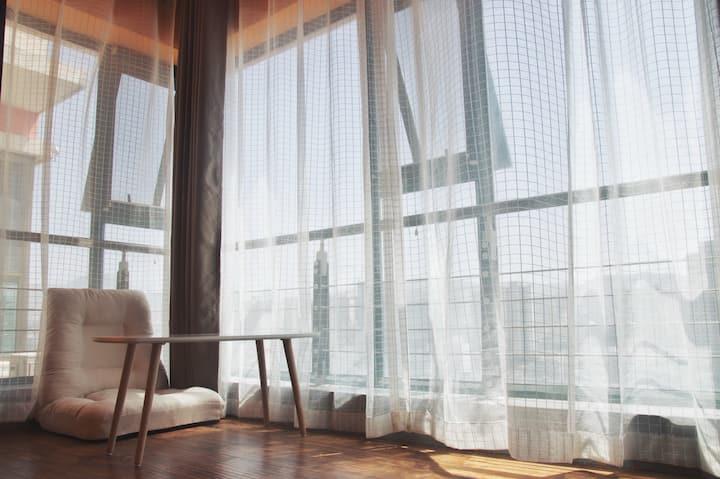 【有所民宿】北滨河中路18楼顶楼复式/150平公区/8米宽落地窗直观黄河