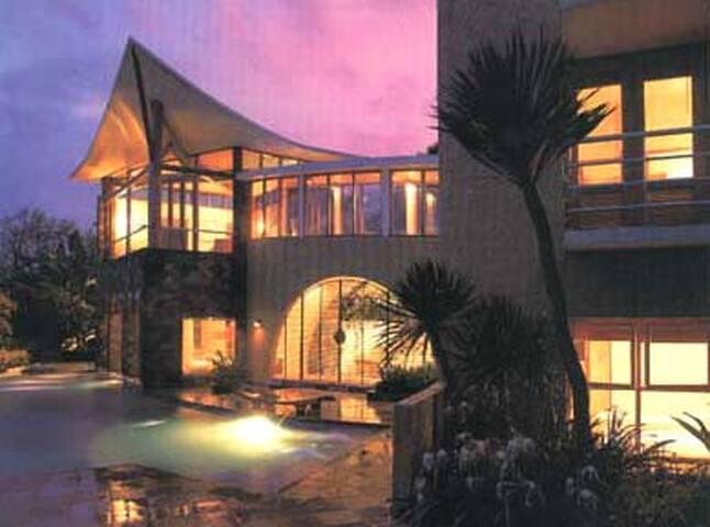 Villa Della Scala-Batu-East Java 诗家山庄-琶都-东爪哇 - バトゥ - 別荘