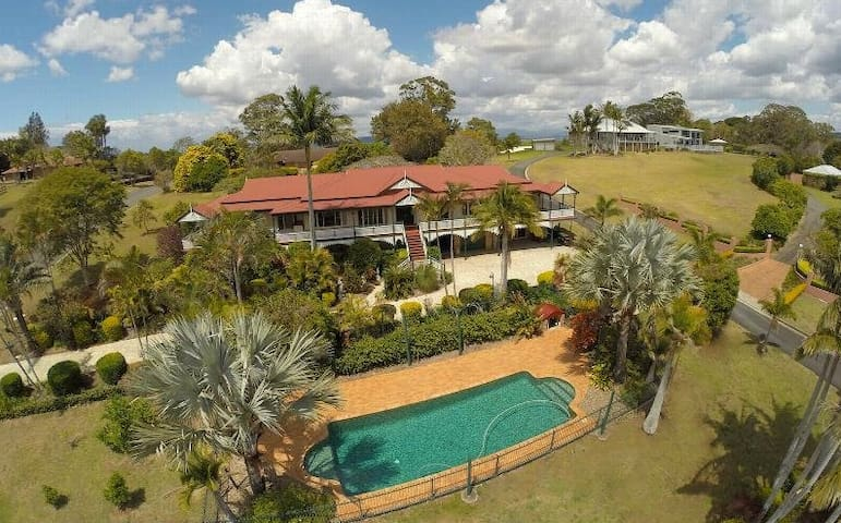 Terranora House/Tweed/Gold Coast- 5 Bedrooms-Views - Terranora - Casa