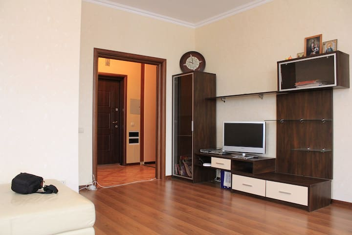 Stylish flat + min. PRICE near the metro - Kyiv - Apartment