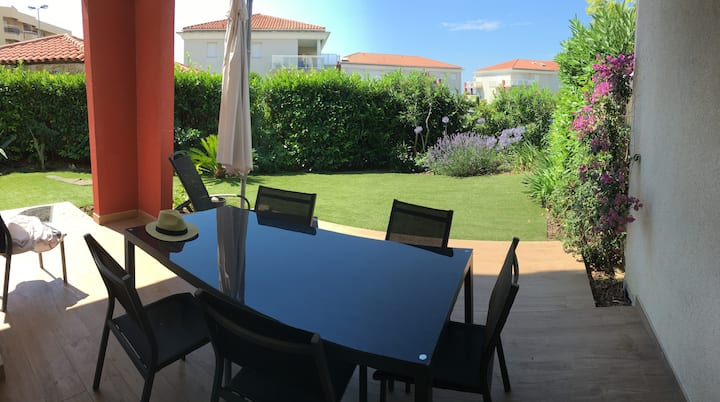 Modern appartment 4-5people, close to beach, pool