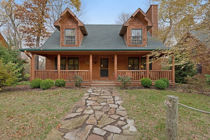 Premium Cleaned | Log-cabin-style home with hot tub and close proximity to the lake!
