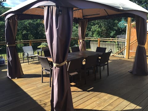 25'x25' back deck to relax and grill with beautiful views of Gunstock Mountain