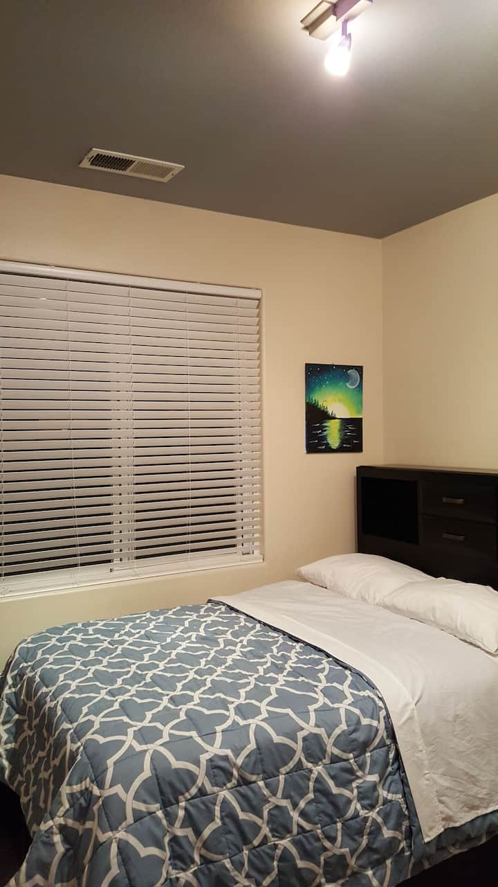 Nice Stay in a Private Bedroom for 1 to 3 Guest