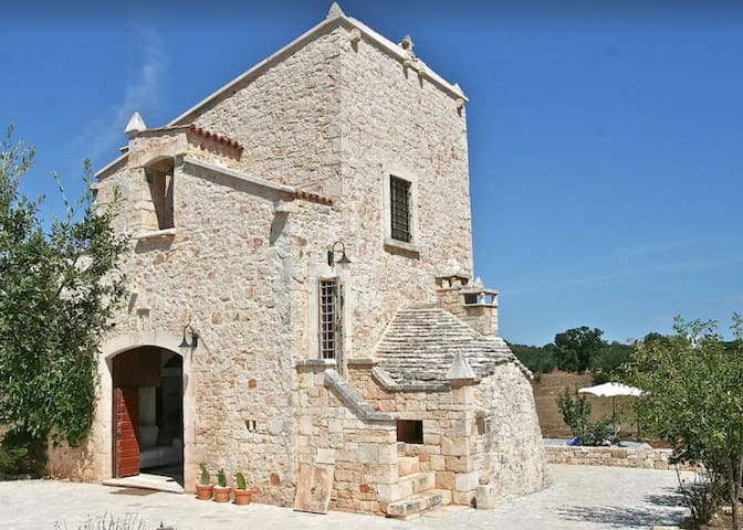 AMAZING church in Puglian countryside with pool