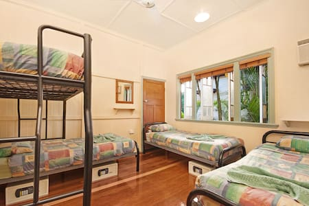 4 Share Room in Tropic Days Boutique Hostel