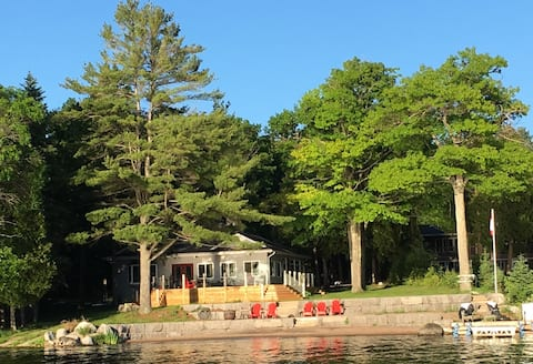 Cottage on Pigeon Lake with Beach.