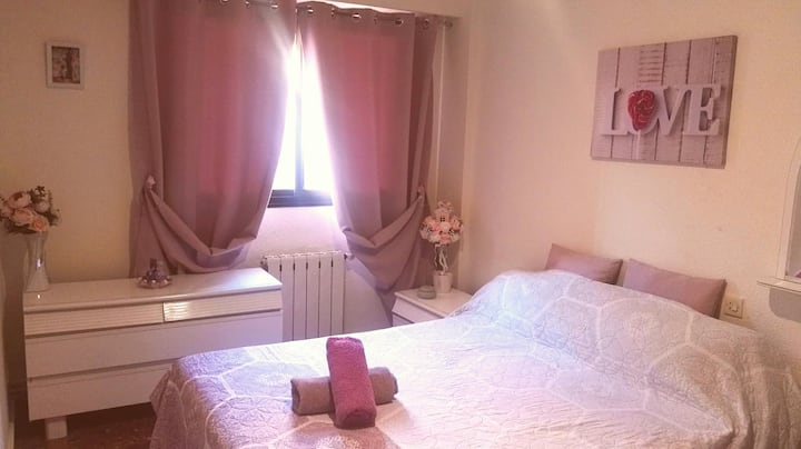 Private Double Room near the beach & University