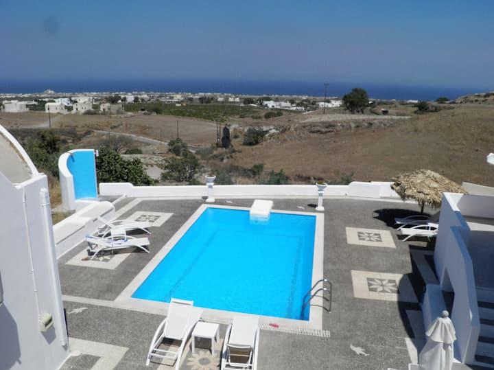 Santorini Traditional Suites, VOLCANO Suite