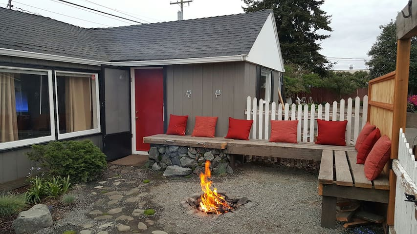 Urban Shack in the Heart of Sequim! - Sequim - House