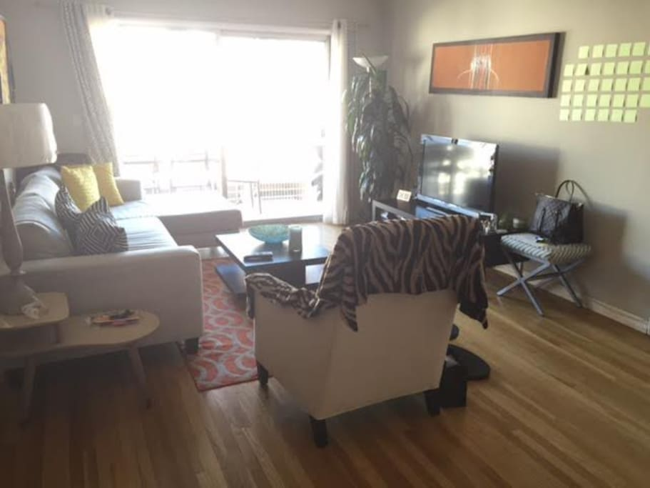 Sunny 1 Bedroom In West Hollywood Apartments For Rent In West Hollywood California United States