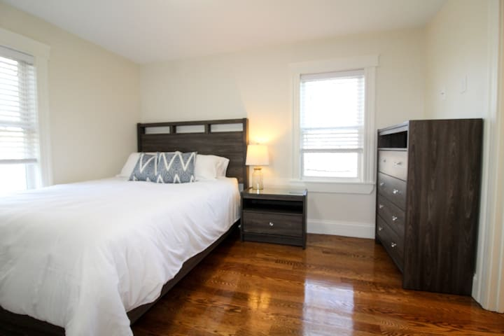 Queen size bedroom with en suite full bathroom. Large closet and dresser space so you can feel right at home!