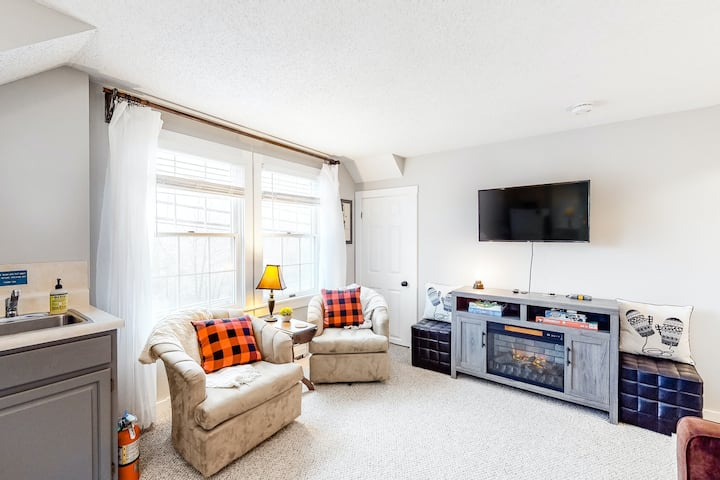 Downtown Condo w/ Electric Fireplace, WiFi & Shuttle Stop Across the Street!