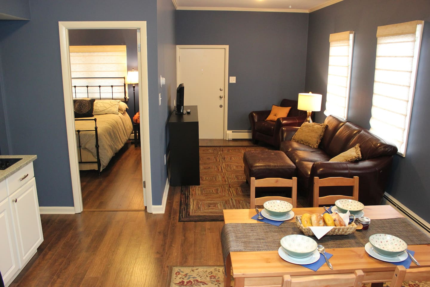 Newly renovated spacious 1 bedroom apartment!