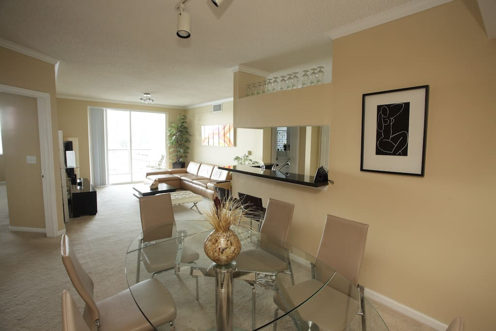 Offer Apt 3/2 Luxury Full on Beach