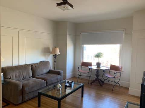 Classic Richmond Edwardian 1-bedroom Apartment