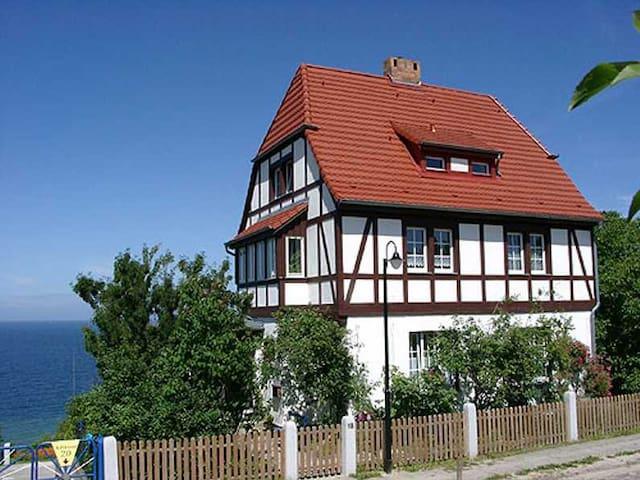 Kapitänshaus Trost - Lohme - Apartment