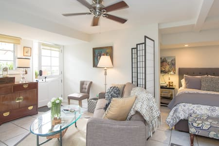 Walk 2 Beach charming XL Studio LAGUNA BEACH - Laguna Beach - Casa