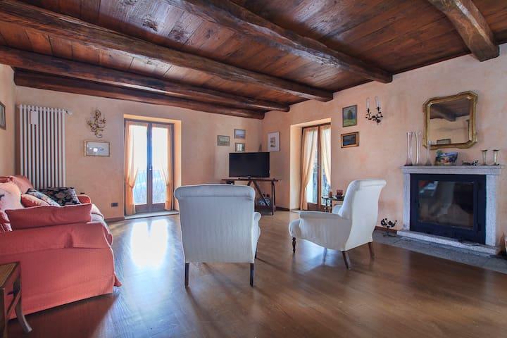 Italian dream on the Lake Maggiore - Levo - House