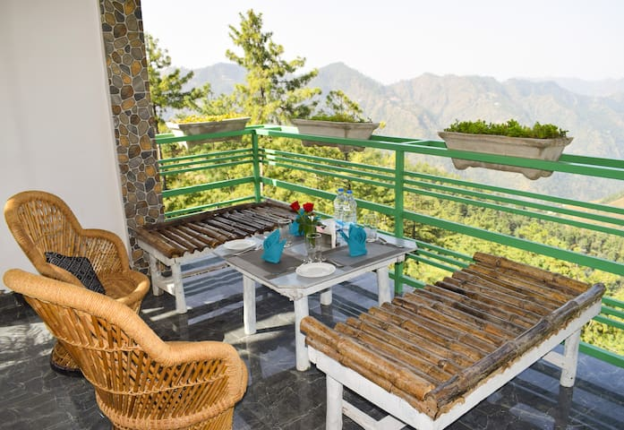 Club Room | Luxurious stay amidst Nature
