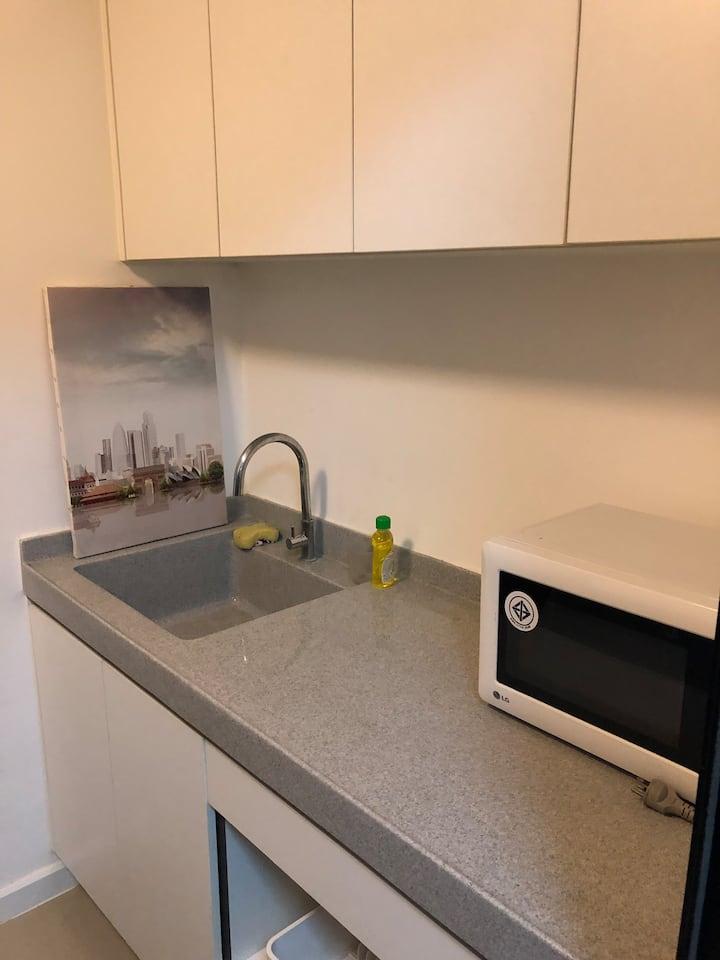 iCondo สุขุทวิท105 ห้องนอน ห้องรับแขก ห้องน้ำ ห้องครัว ระเบียง