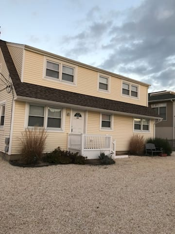 Great 2nd floor 3 Bedroom Long Beach Island Duplex