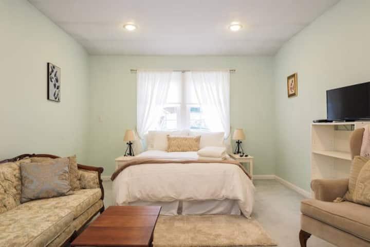 Beautiful Heavenly Green Bedroom