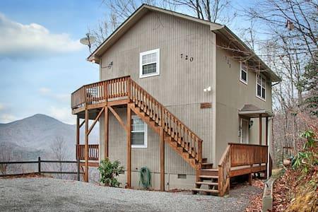 Falcon Ridge -Mountain View/Hot Tub - Maggie Valley - Casa