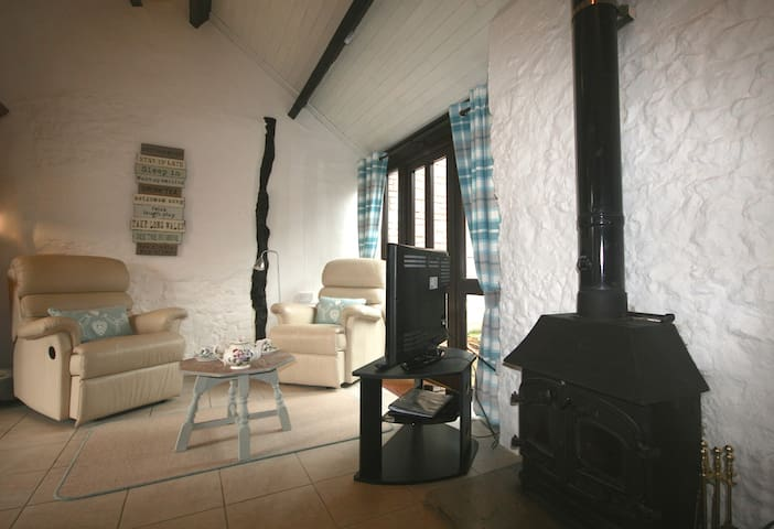 Apple Cottage with logburner & Indoor Pool/Spa - Whitchurch Canonicorum