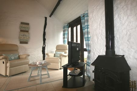 Apple Cottage with logburner & Indoor Pool/Spa - Whitchurch Canonicorum - Haus