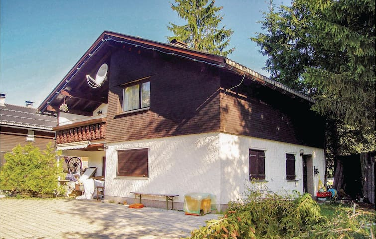 Holiday apartment with 3 bedrooms on 70m² in Schetteregg