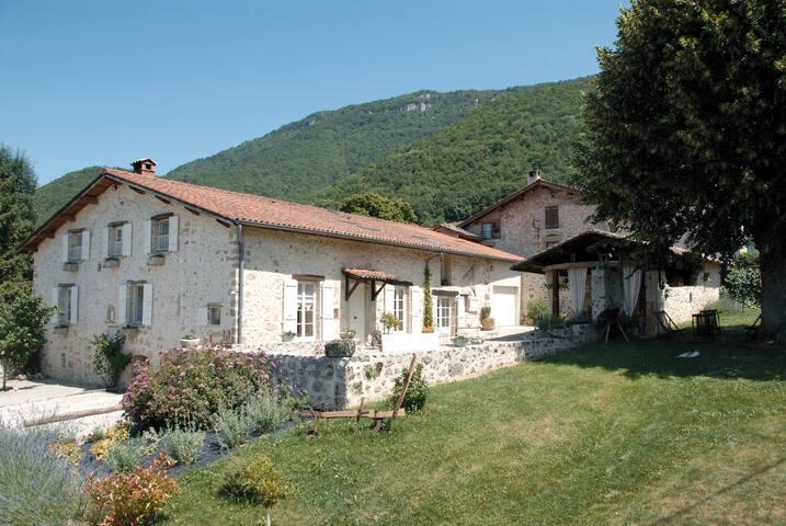 """Maison d'hôtes """" l'Estapade"""" - Saint-Jean-en-Royans - House"""