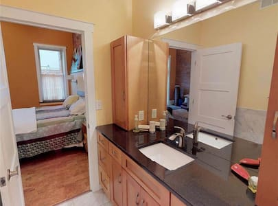 Executive Rental - Downtown Decatur - 2 month min.
