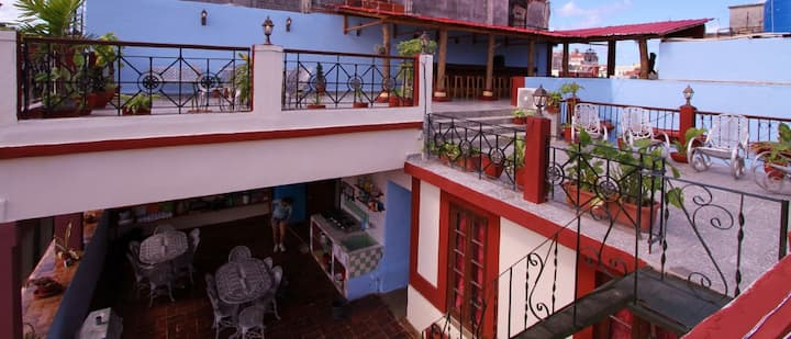 House for groups old Havana 270m2 max 5/22persons