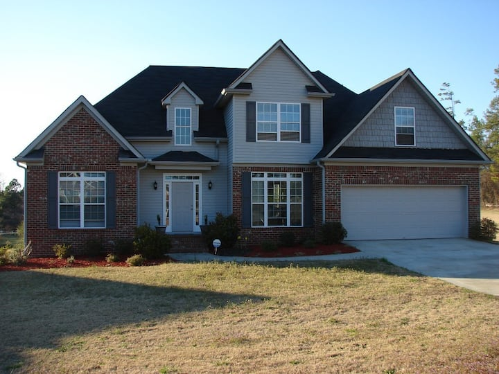 Beautiful 6BR/3.5BA Home near Stone Mountain