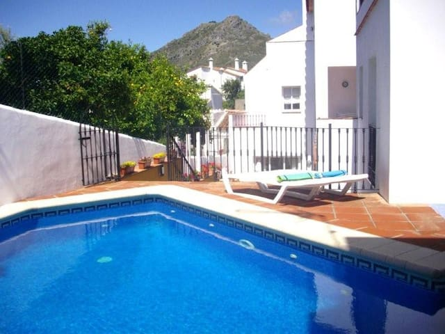 VILLA -5 Apartments/Pool, sleeps 14 - Gaucín - Villa