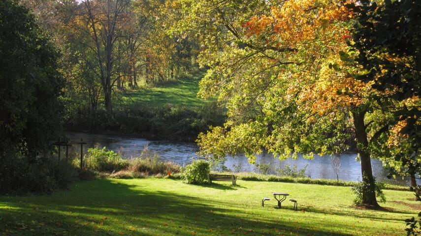 Riverside Retreat - Private Suite - Lancaster - Pension