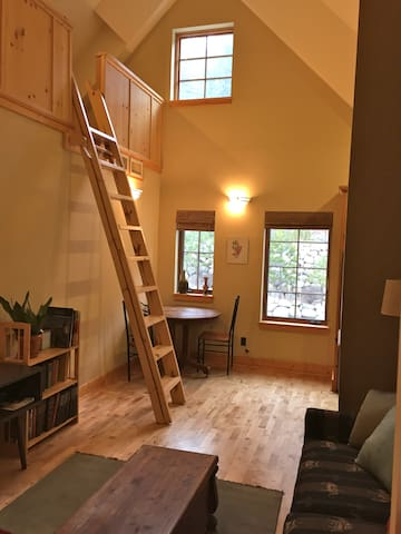 Excellent 1BD close to downtown.  - Truckee - Lägenhet
