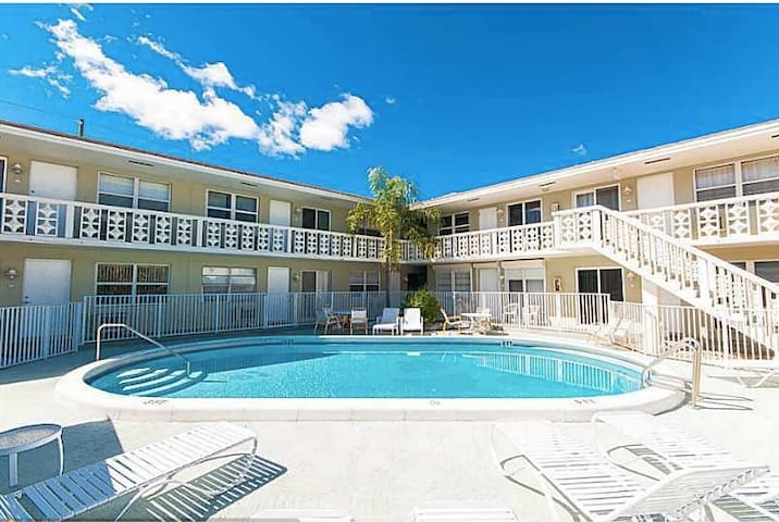 Perfect Seaside Vacation Place 1 1 Apartments For Rent In Pompano Beach Florida United States