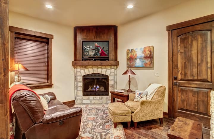 2BR Ski In/Ski Out Canyons Resort