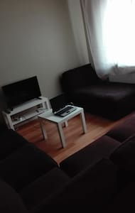 Cozy couch in a homely apartment - Espoo - Daire