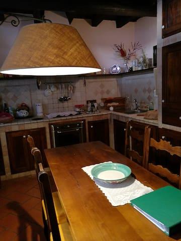 Tipica casa lombarda nella campagna milanese - San Pietro - Rumah