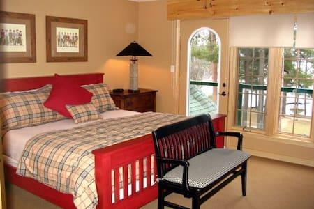Charming Villa on Lake of Bays - Dwight - Stuga