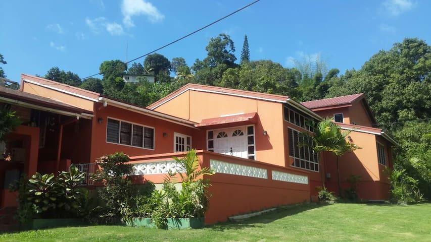 Serene Tropical Getaway - Maraval - Byt