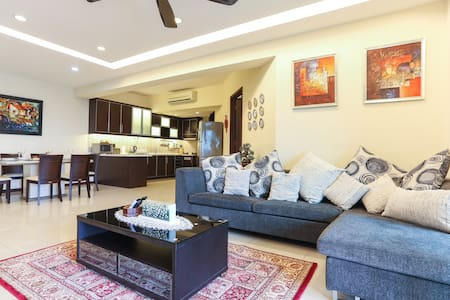 Luxury Condo beside Empire Mall - Subang Jaya