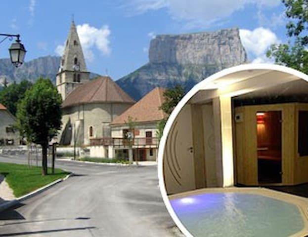 "Gites du Finet ""Ménil"" Spa-Sauna - Lalley - Flat"
